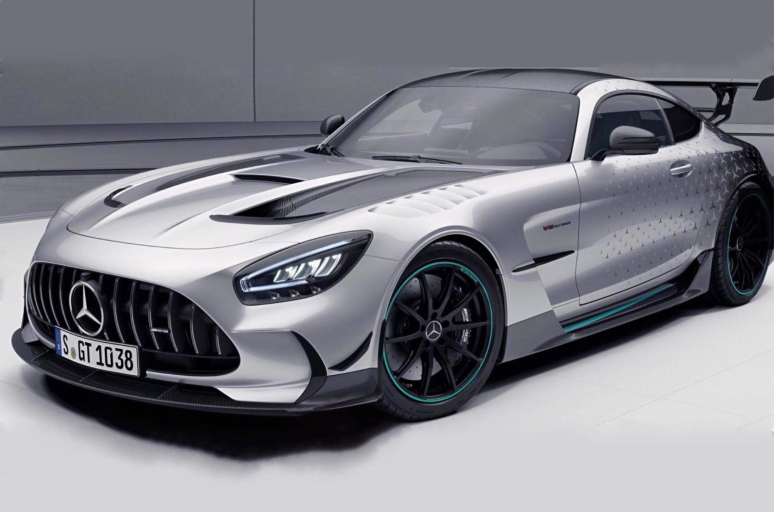 Особый Mercedes-AMG GT Black Series достанется покупателям гиперкара One